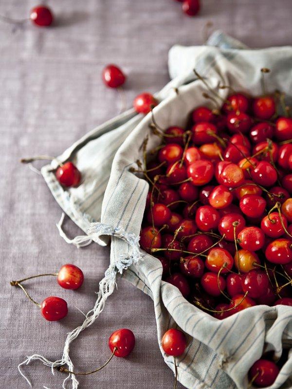 Lapin Nain Fruit Cerise Cherry