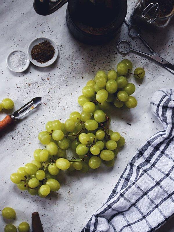 Lapin Nain Fruit Raisin Grape